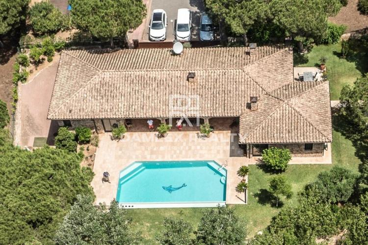 MAGNIFICENT CATALAN HOUSE 800M FROM THE BEACH!