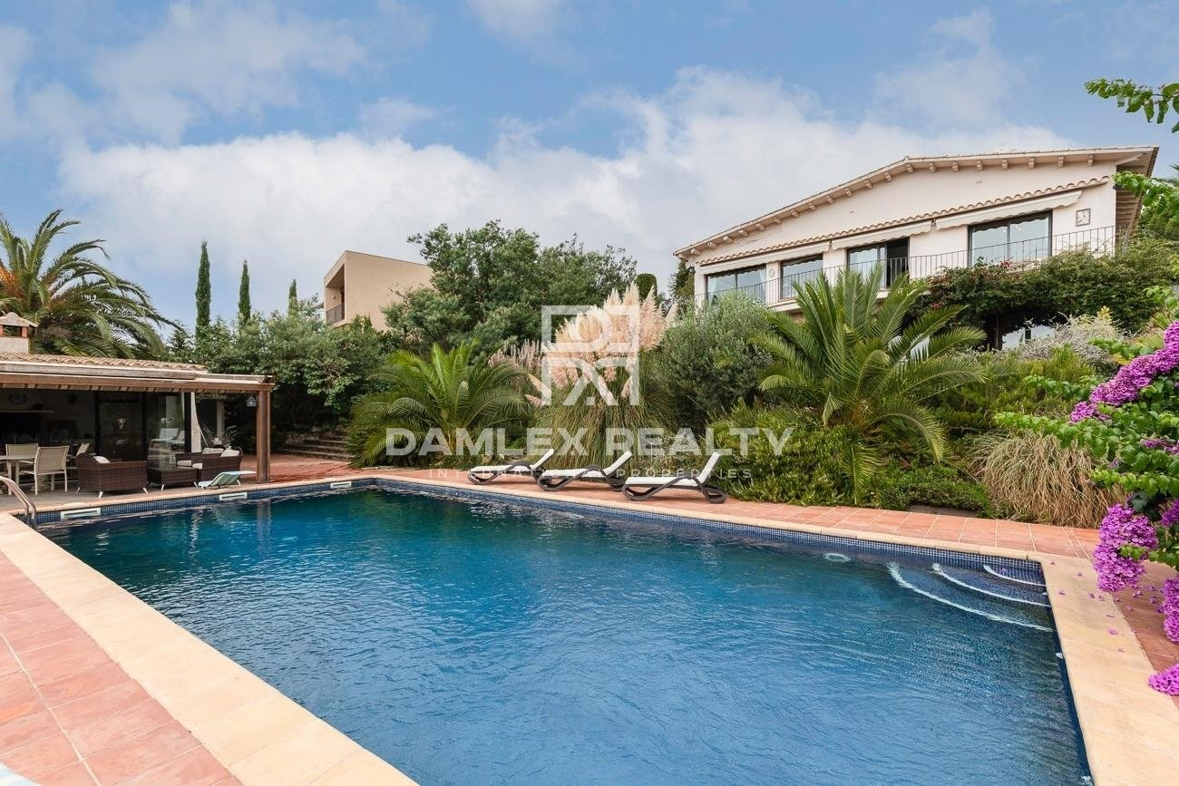 Beautiful house with Views of the Mediterranean Sea - in Mas Nou